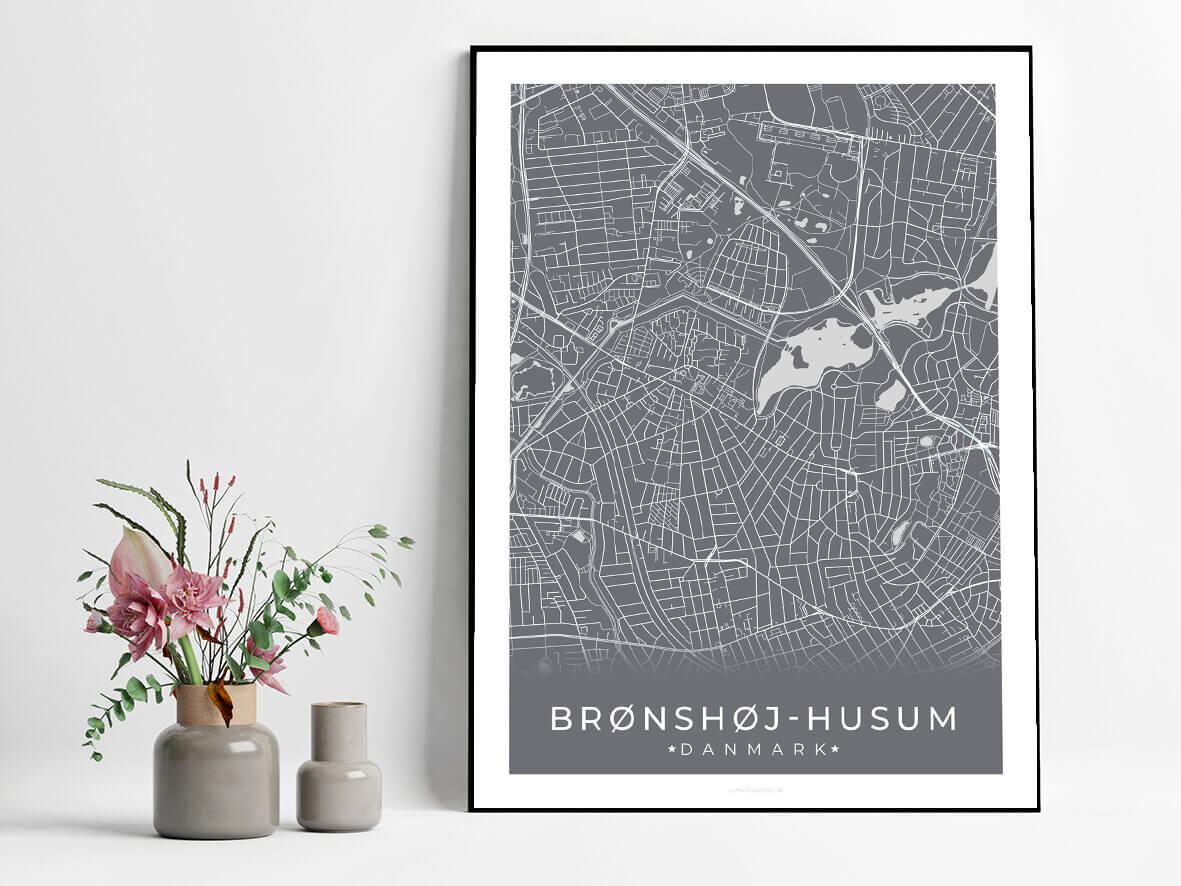 broendshoej-husum-graa-byplakat-2