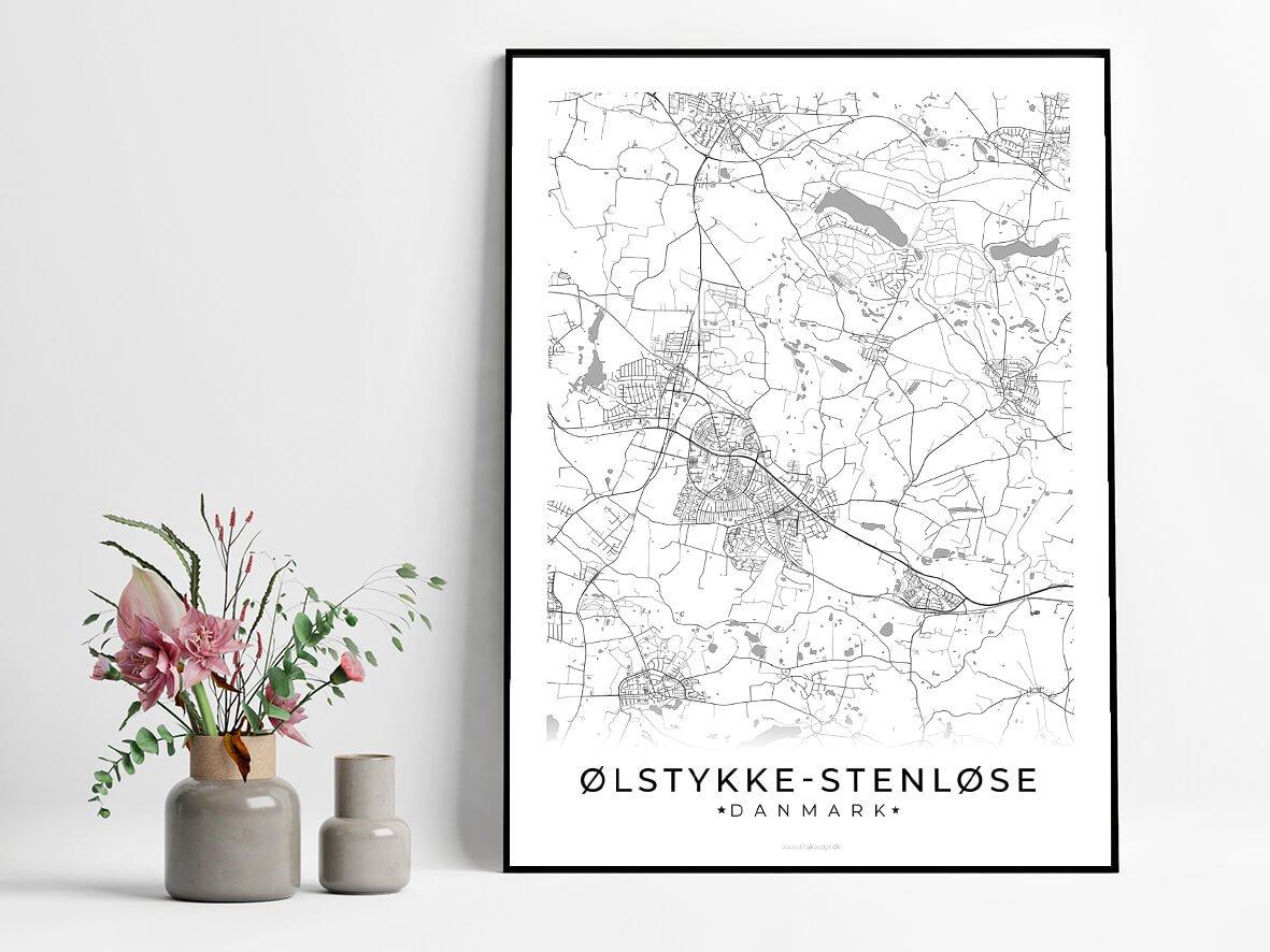 Oelstykke-Stenloese-hvid-byplakat