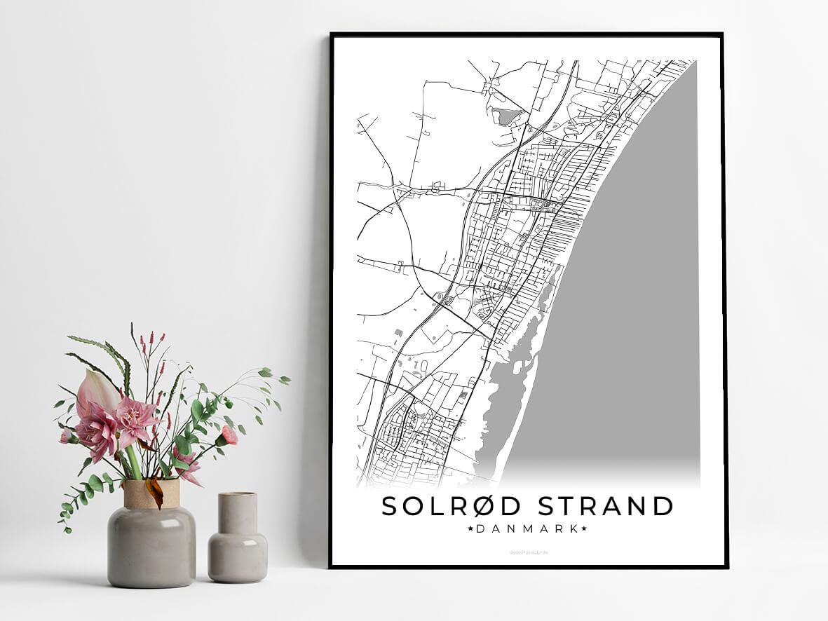 Solroed Strand-hvid-byplakat
