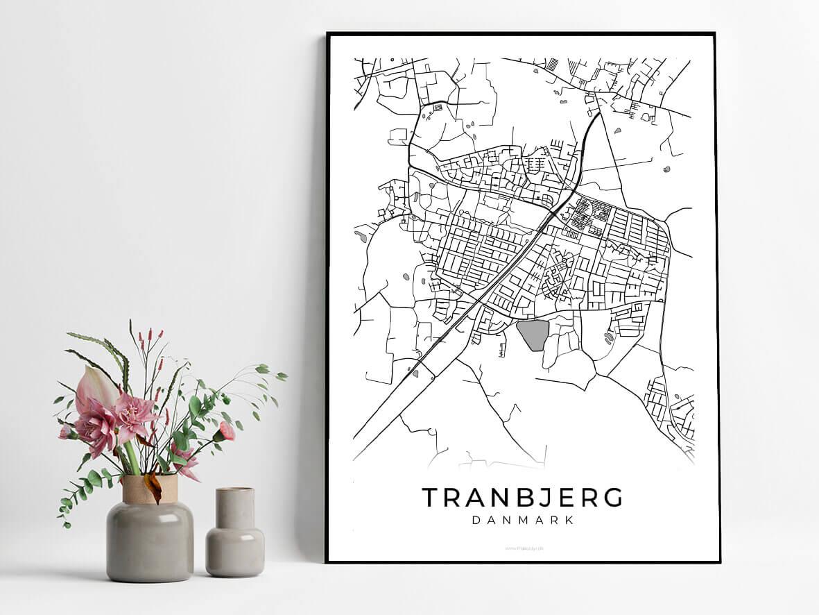 Tranbjerg-hvid-byplakat
