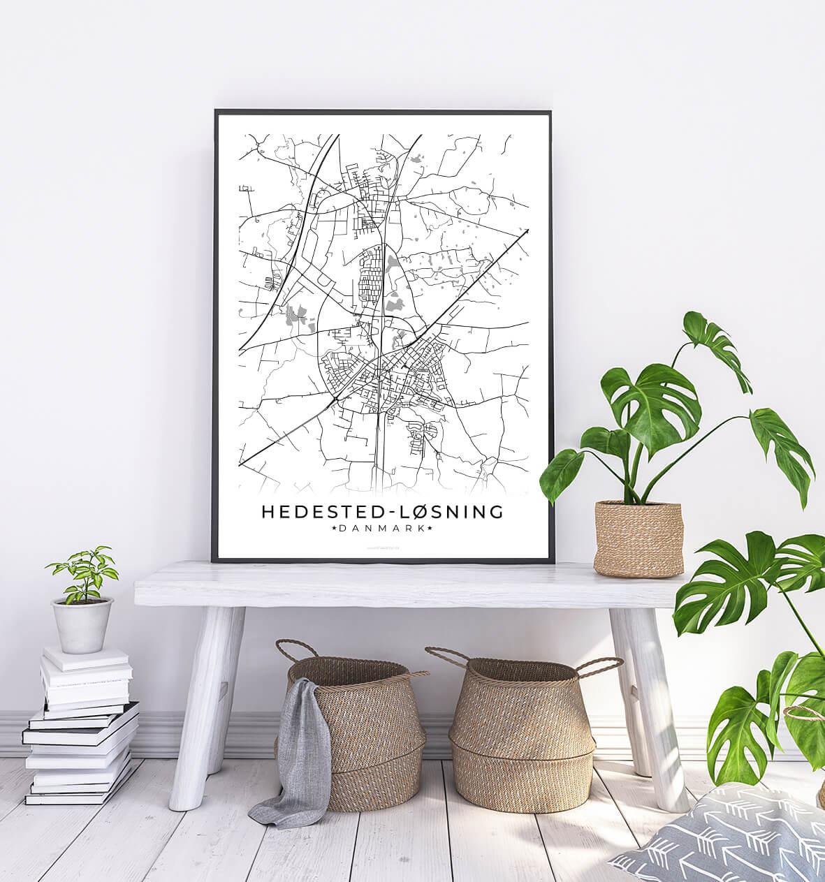 Hedensted-Loesning-hvid-byplakat-1