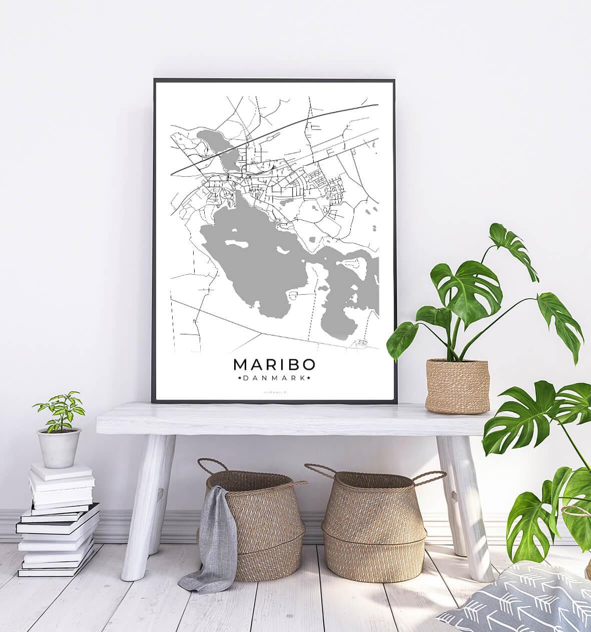 Maribo-hvid-byplakat-1