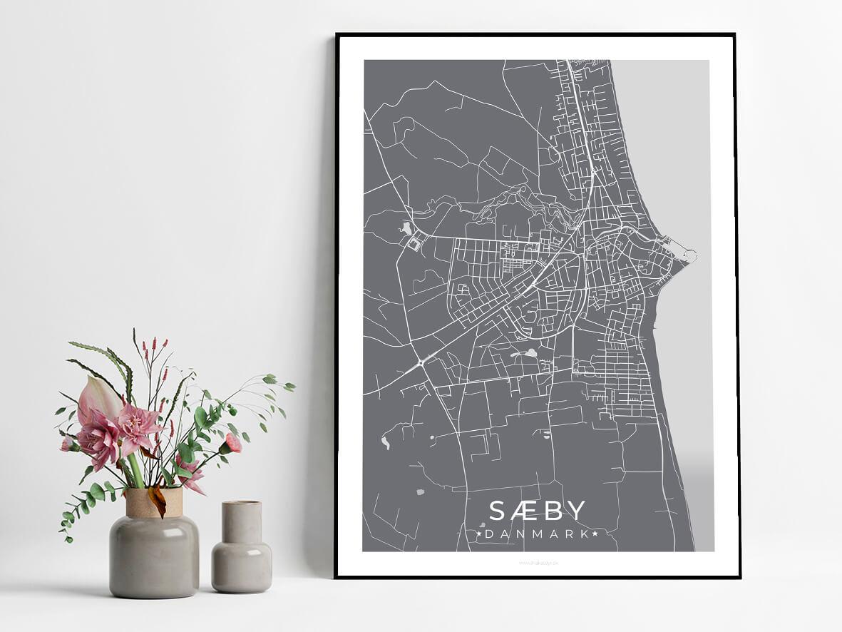 Saeby-graa-byplakat-3